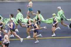 Löpare i den Los Angeles maratonen Arkivfoton