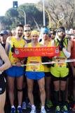Löpare på starten av Rome-Ostia den halva maraton Arkivfoto