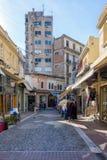 lördag December 3rd 2016 - gammal gata av en lokal marknad i Thessaloniki, Grekland Fotografering för Bildbyråer