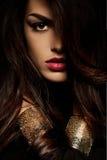 Lös härlig kvinna för svart hår Royaltyfri Fotografi
