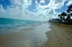Lös solig strand Royaltyfria Foton
