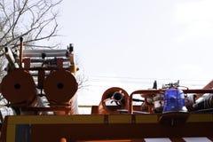 Löschfahrzeug, hintere Ansicht von Kanistern für das Transportieren von Saugschläuchen mit den Notausgängen befestigt zu ihnen, K lizenzfreies stockbild