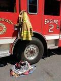 Löschfahrzeug mit Feuerwehrmann Gear, Rutherford, New-Jersey, USA Lizenzfreies Stockbild