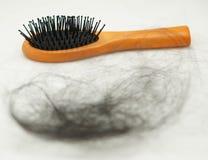 Lösen des Haares lizenzfreie stockbilder