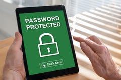 Lösenord skyddat begrepp på en minnestavla royaltyfri foto