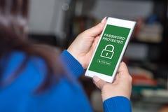 Lösenord skyddat begrepp på en smartphone royaltyfri bild