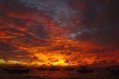 Löst brandsolnedgångfoto från Sri Lanka Arkivfoton
