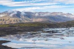 Löst isländskt landskap med islagun Arkivfoto