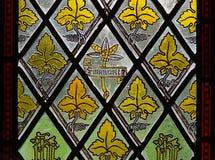 Lövrikt målat glassfönster Royaltyfri Foto