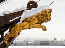 Löwe über der Stadt Lizenzfreie Stockfotografie