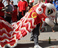 Löwe-Tänzer - chinesisches neues Jahr Stockfoto