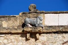 Löweskulptur auf Giants-Bogen, Antequera Stockfotos
