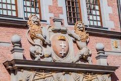 Löwestatuen an der großen Waffenkammer in Gdansk, Pola lizenzfreies stockbild
