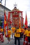Löwetanz in Chinatown, Boston während der Feier des Chinesischen Neujahrsfests lizenzfreie stockfotos