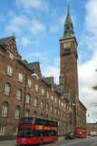 Lúpulo-no lúpulo-fora o ônibus visita em Copenhaga Fotos de Stock