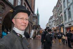 LÜBECK - DUITSLAND - December 30, 2014 - Schoorsteenvegersparade voor Kerstmis Stock Afbeelding