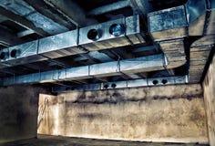 Lüftungsrohre und Lufteinlässe im Altbau Lizenzfreies Stockfoto
