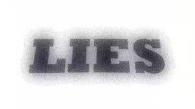 Lügen buchstabierten heraus auf weißem Hintergrund mit Effekt Abstrakter Begriff des Lügens oder des Erzählens Gegenteil von wahr stock video