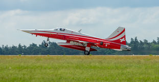 Lądować dżetowy Northrop F-5E tygrys II Zdjęcia Stock