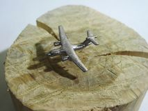 Lądować samolot Cień Na ziemi I samolotu sylwetce zdjęcia stock