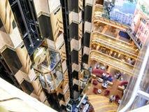 "L'""Atrio d'oreillette Magica Italia"" à bord de bateau de croisière Costa Magica de Costa Cruises image libre de droits"
