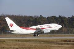 L'†«Air Algerie Boeing 737 d'aéroport international de Francfort décolle Image libre de droits