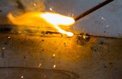 L'†de SMAW «a protégé la soudure à l'arc électrique en métal et la flamme de soudure Photo libre de droits