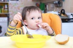 L'âge de bébé de 1 an dîne Images stock