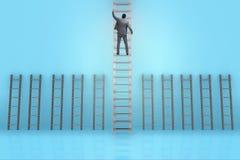 L'échelle s'élevante de carrière d'homme d'affaires dans le concept de réussite commerciale Images stock