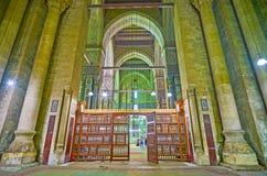 L'écran arabe en bois dans la mosquée d'Al-Rifai, le Caire, Egypte image stock