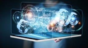 L'écran d'hologramme avec des données numériques employées par l'homme d'affaires 3D rendent Photographie stock libre de droits