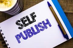 L'écriture conceptuelle de main montrant l'individu éditent La publication de présentation de photo d'affaires écrivent l'acte ju photographie stock libre de droits