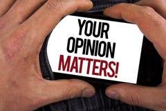 L'écriture conceptuelle de main montrant votre avis importe appel de motivation Les commentaires de présentation de rétroaction d images libres de droits