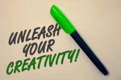 L'écriture des textes d'écriture lâchent votre appel de créativité La signification de concept développent le messag personnel d' photos libres de droits
