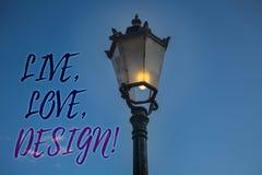 L'écriture des textes d'écriture vivante, amour, conçoivent l'appel de motivation La signification de concept existent tendresse  Image stock