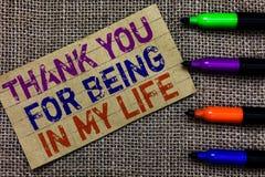 L'écriture des textes d'écriture vous remercient d'avoir lieu dans ma vie Concept signifiant aimant quelqu'un pour être par votre Photos stock