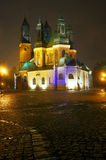 L'église de cathédrale la nuit Photo stock