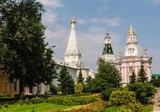 L'église de l'icône de Smolensk de la mère de Dieu, un temple en l'honneur de St Zosima et Savvatiy de Solovki et de caliche domi Photo libre de droits