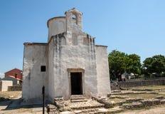 L'église de la croix sainte est une église catholique Pré-romane croate provenant du 9ème siècle de Nin Images libres de droits