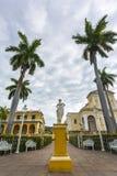 L'église de la trinité sainte dans la plaza principale au Trinidad photo libre de droits