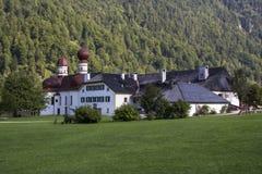 L'église de St Bartholomew au lac Koenigssee près de Berchtesgaden, Photographie stock libre de droits