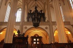 L'église de St Jacob l'aîné est une église gothique en retard de hall de trois-Nave située sur Jakub Square à Brno photos libres de droits