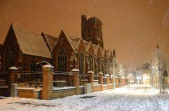L'église de St Mary dans la neige Photographie stock libre de droits