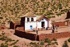 L'église du village de Machuca, désert d'Atacama, Chili photos stock
