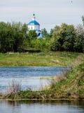 L'église orthodoxe dans la ville russe de la région de Meshchovsk Kaluga Photos stock