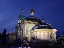 L'église orthodoxe sur l'épiphanie, hiver images libres de droits