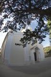 L'église paroissiale de la trinité de St et du vieil arbre dans Baska sur l'île Krk, Croatie image libre de droits