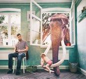 L'éléphant et le garçon illustration stock