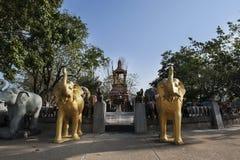 L'éléphant et les quatre ont fait face à Bouddha Photo stock