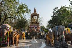 L'éléphant et les quatre ont fait face à Bouddha Images libres de droits